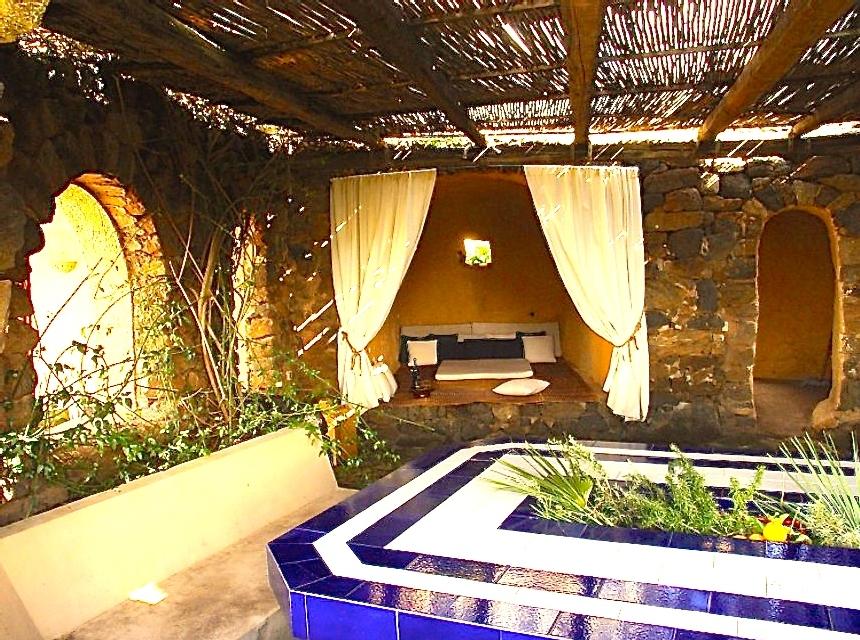 Houses for rent in Pantelleria - Dammuso Lillucia - Travelandfair.net