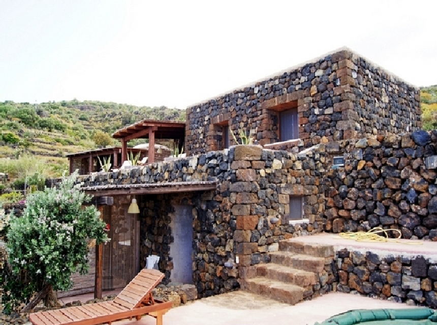 Houses for rent in Pantelleria - Dammuso Beatrice - Travelandfair.net