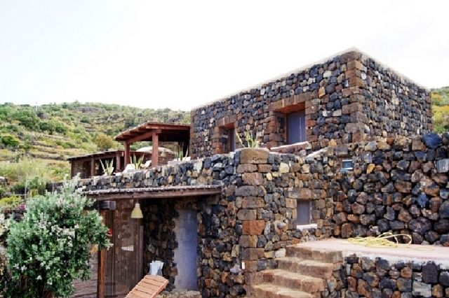 Houses for rent in Pantelleria - Dammuso Beatrice