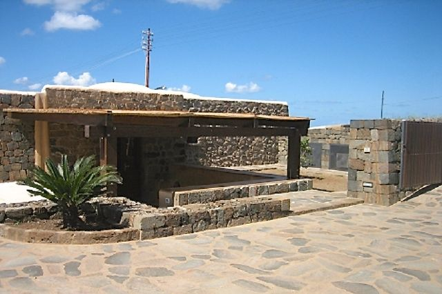 Houses for rent in Pantelleria - Dammuso San Vito C