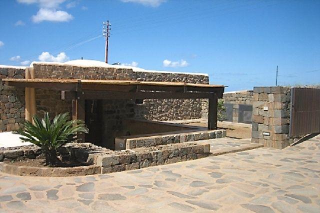 Houses for rent in Pantelleria - Dammuso San Vito C