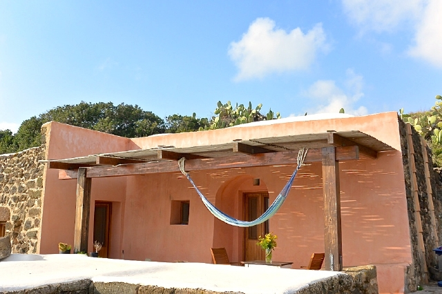 Houses for rent in Pantelleria - Dammuso Livio 1