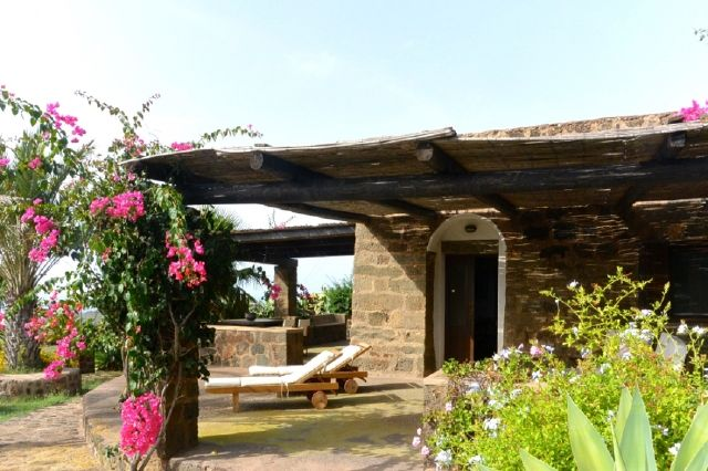 Houses for rent in Pantelleria - Dammuso Giorgia
