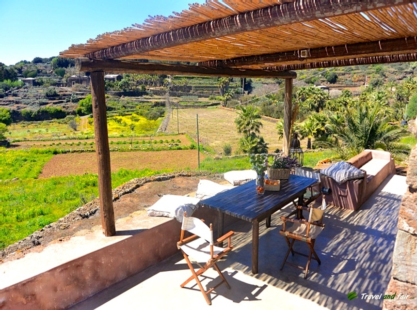 Houses for rent in Pantelleria - Dammuso Franca - Travelandfair.net