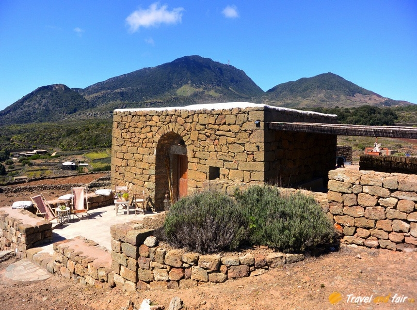 Houses for rent in Pantelleria - Dammuso Stile - Travelandfair.net