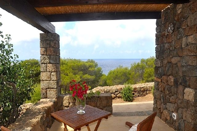 Houses for rent in Pantelleria - Dammuso Gelsomino 2