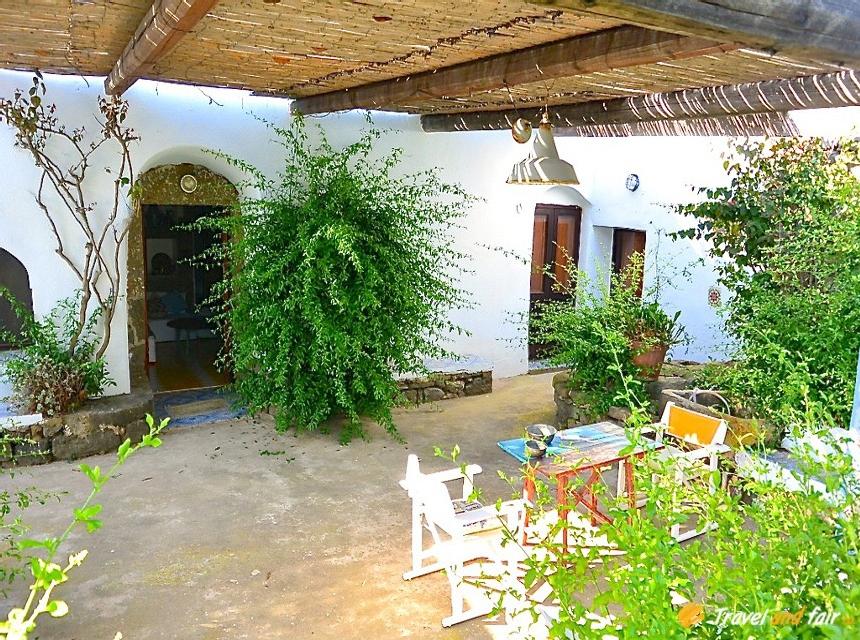 Houses for rent in Pantelleria - Dammuso Tiziana - Travelandfair.net