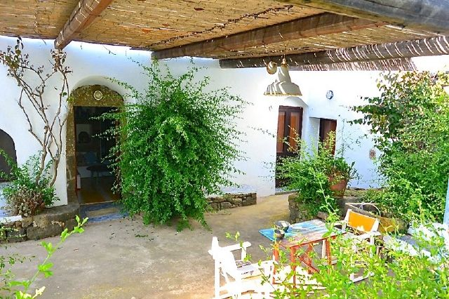 Houses for rent in Pantelleria - Dammuso Tiziana