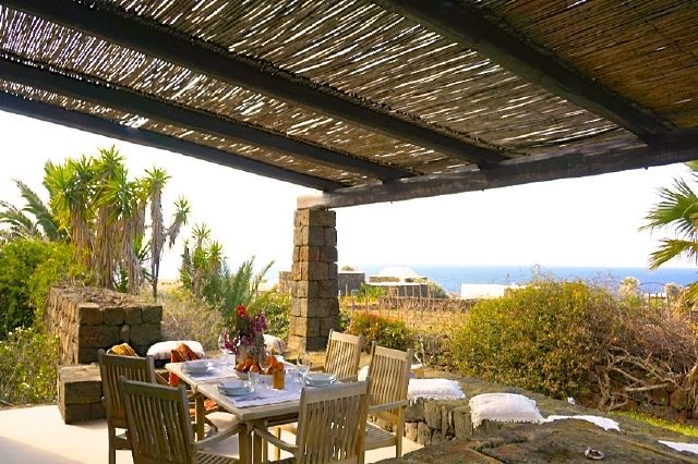 Houses for rent in Pantelleria - Dammuso Ribes