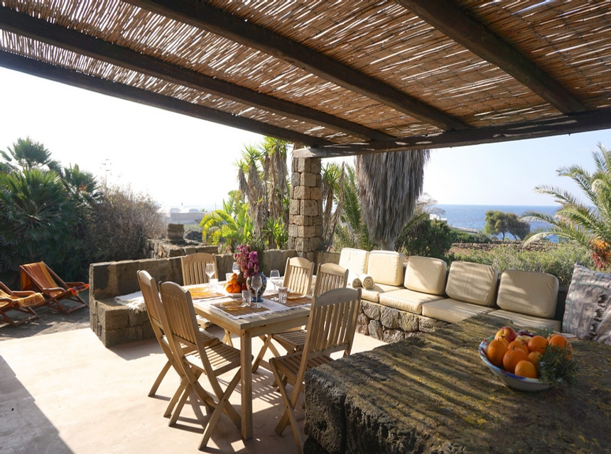 Houses for rent in Pantelleria - Dammuso Il Cedro - Travelandfair.net