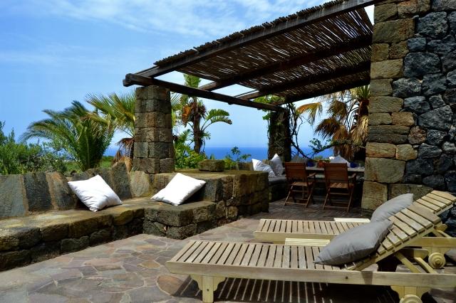Houses for rent in Pantelleria - Dammuso Ibiscus