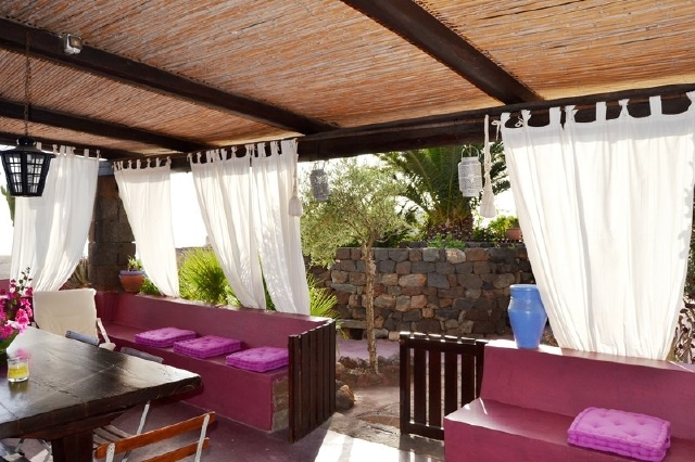 Houses for rent in Pantelleria - Dammuso Jasmin