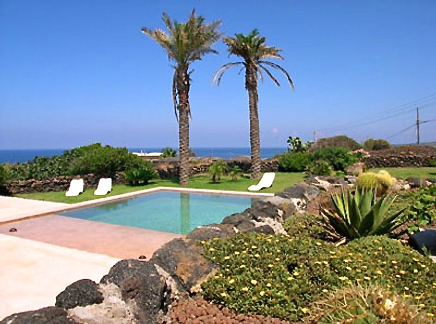 Houses for rent in Pantelleria - Dammuso Kharuscia 1 - Travelandfair.net