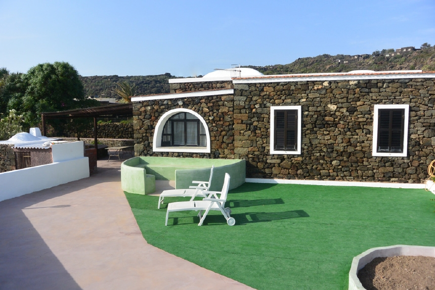 Houses for rent in Pantelleria - Dammuso Mare - Travelandfair.net