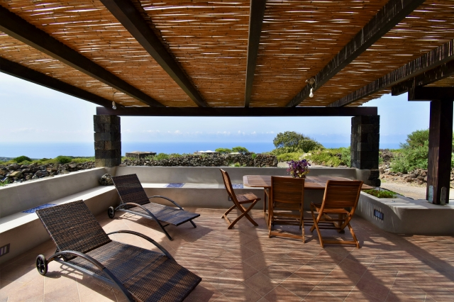 Houses for rent in Pantelleria - Dammuso Gerber