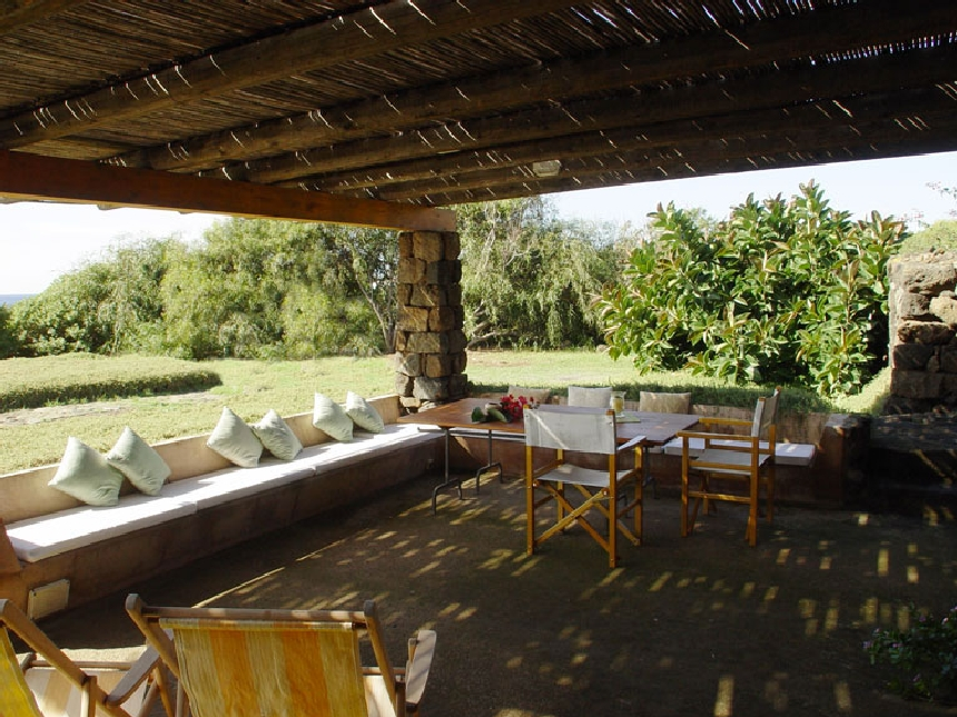 Houses for rent in Pantelleria - Dammuso Il Cappero  - Travelandfair.net
