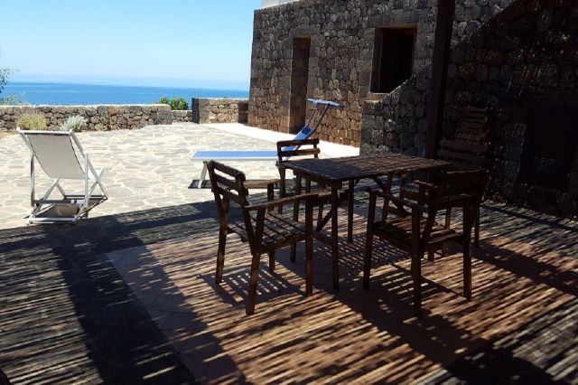 Houses for rent in Pantelleria - Dammuso Andrea