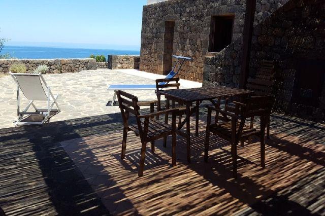 Houses for rent in Pantelleria - Dammuso Andrea