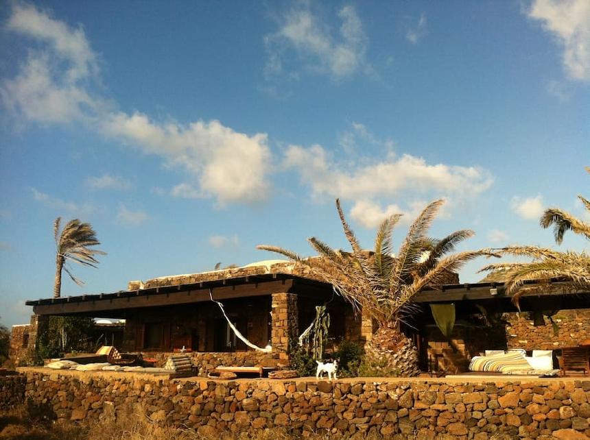 Houses for rent in Pantelleria - Dammuso Ametista - Travelandfair.net
