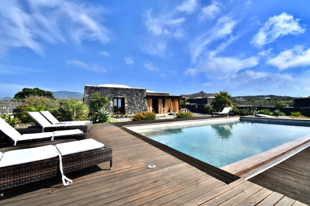 Houses for rent in Pantelleria - Dammuso Dogon