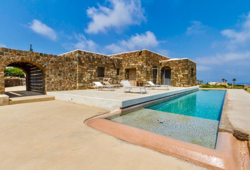 Houses for rent in Pantelleria - Dammuso Nama - Travelandfair.net