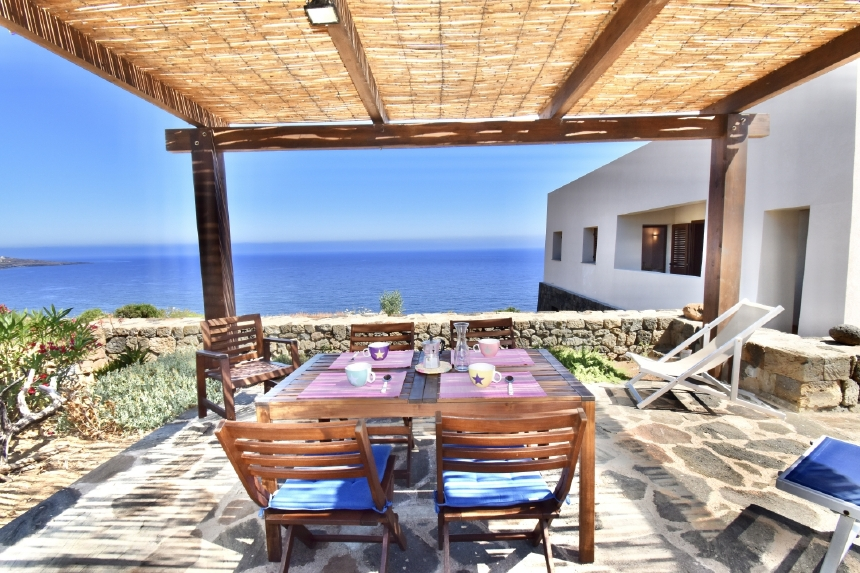 Houses for rent in Pantelleria - Dammuso Amir - Travelandfair.net