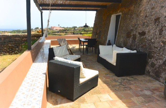 Houses for rent in Pantelleria - Dammuso Dakalè 1