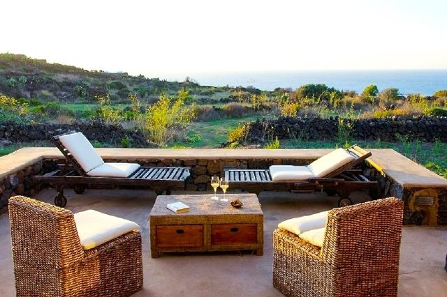 Houses for rent in Pantelleria - Dammuso Ziton